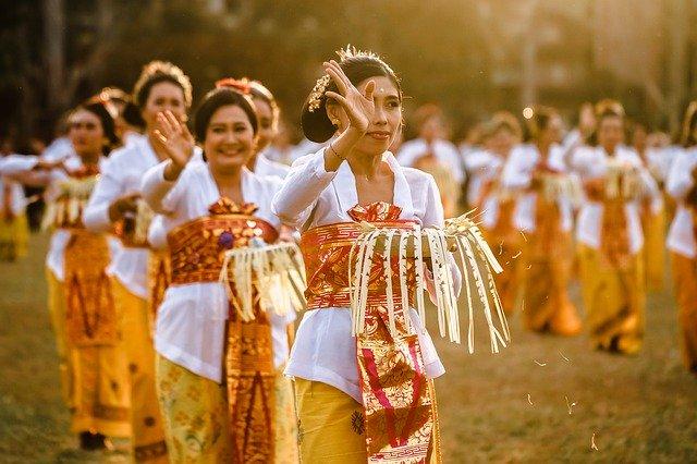 Balijské ženy při obřadu